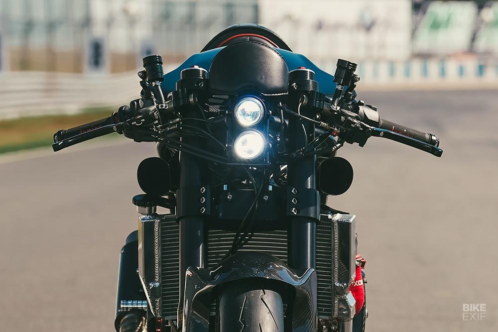 Freeride Motos: кафефайтер Ducati 999