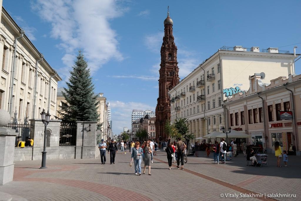 Богоявленская колокольня на улице Баумана в Казани