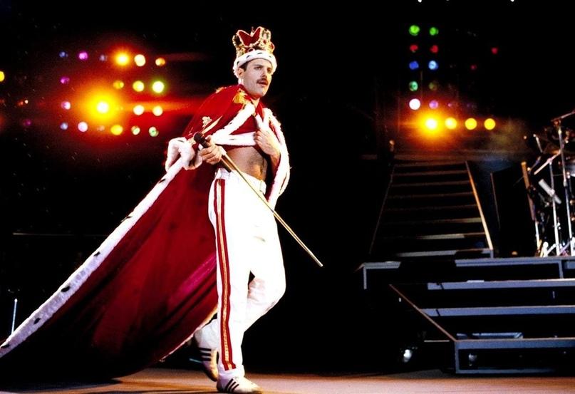 Легендарный образ Фредди Меркьюри, в котором он вышел на сцену в последний раз