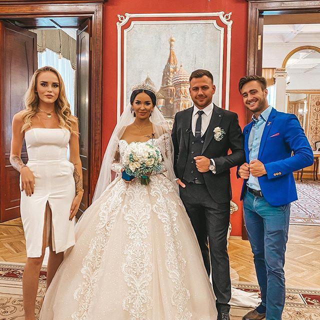 Близкие и друзья Блюменкранцев блистали на свадьбе