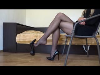 Dangling stiletto black high heels [ножки, feet, foots, legs, footfetish, dangling, shoe play]
