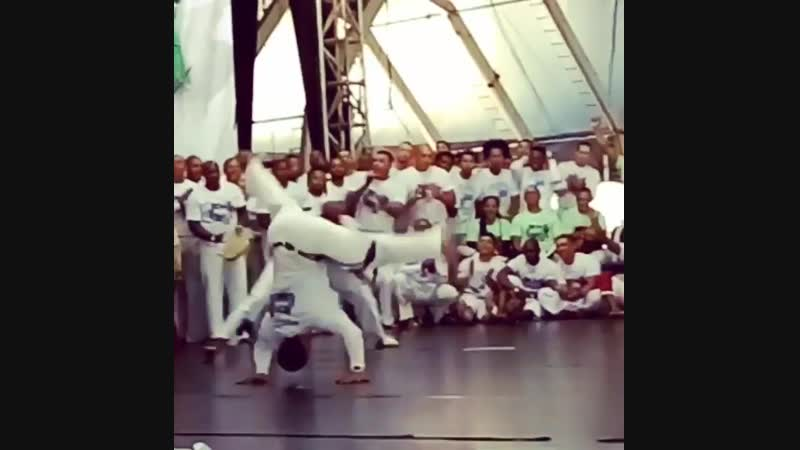 Instrutor Sombrinha x Instrutor Bigu