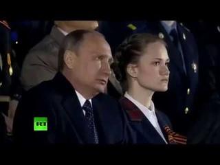Путин плачет навзрыд, слушая песнью Пелагеи | Putin crying while listening to the song of Pelagia