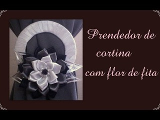 Prendedor de cortina com flor de fita de cetim / Catch curtain with flower satin ribbon
