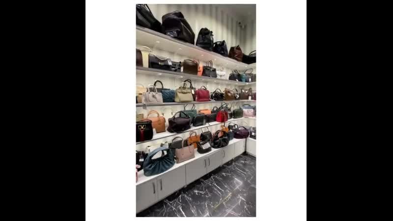 Друзья, в магазине @ lb_lovelybag огромный ассортимент как женских, так и мужских сумок на любой вкус, по очень приятным ценам.