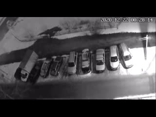 Как сливают бензин по ночам в Ликино-Дулево