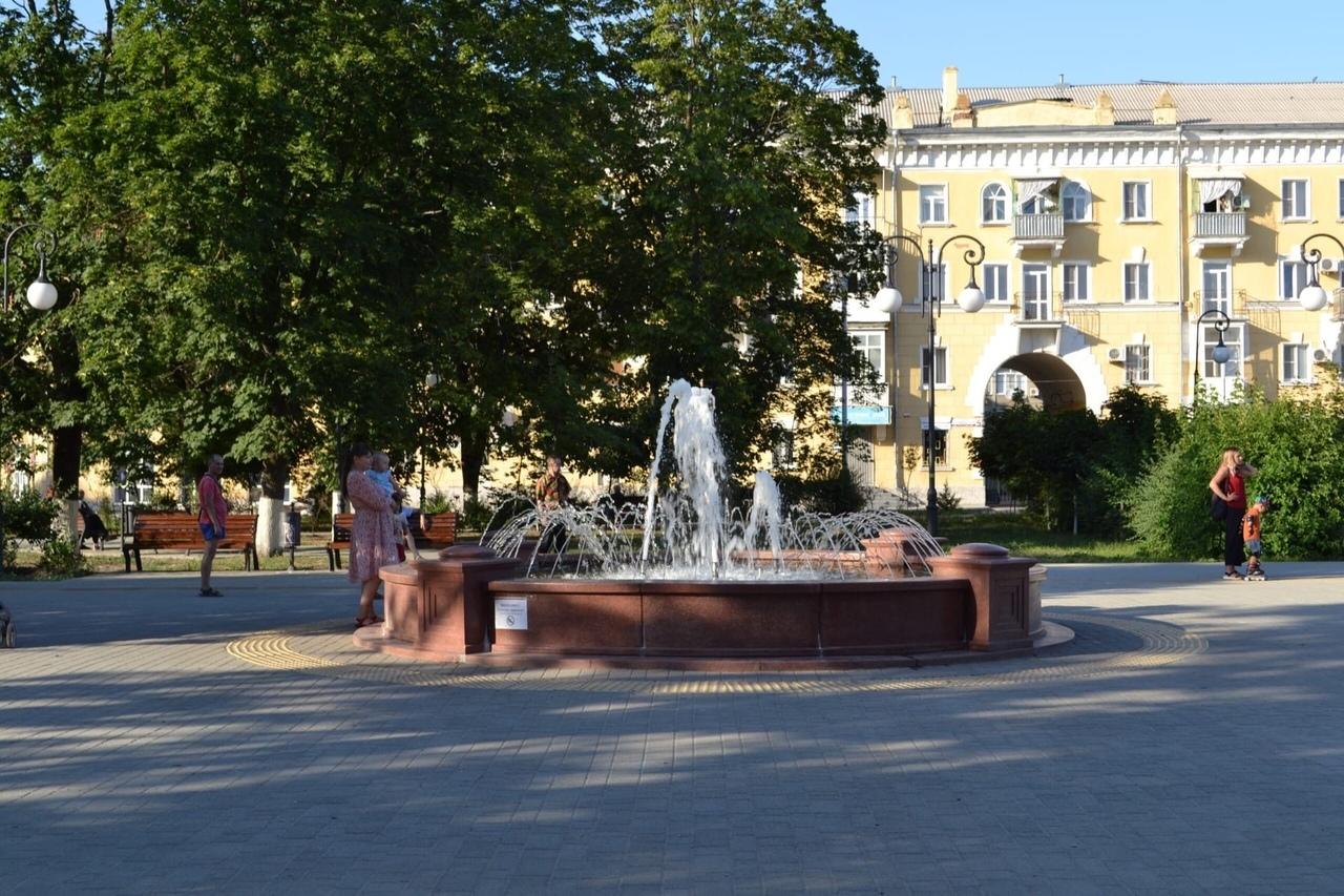 С 1 октября фонтан на Октябрьской площади закрывается