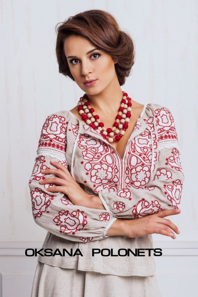 Вишиті сукні в українському стилі  6de6a11bee043