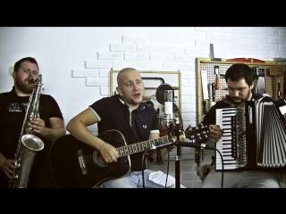группа THE IRON BEES! В гостях у мастерской PVB Handcraft guitars.