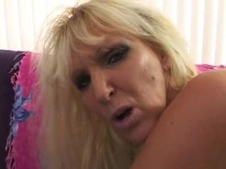 Tia Gunn - I Wanna Cum Inside Your Mom 19 [Big Tits, Blowjob, Boobs, Cumshot, Mature, MILF, Sex]