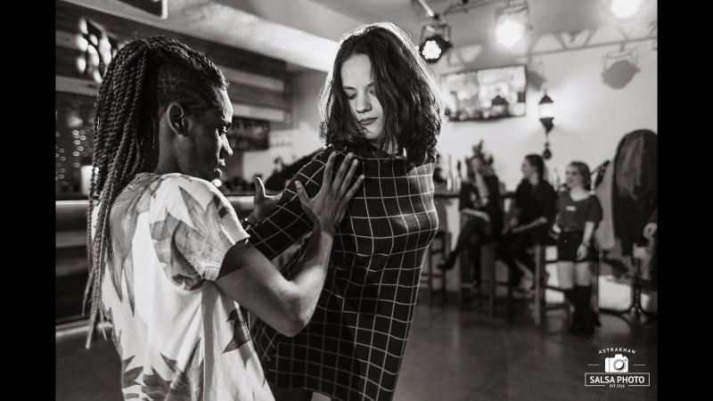 2018 06 10 Daniel Torriente и Мария Босова Salsa Cubanа Open Air Астрахань