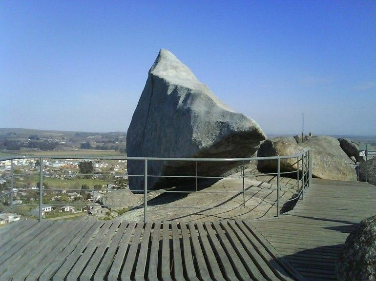 Интересные места нашей планеты Камень Даваско (Аргентина)