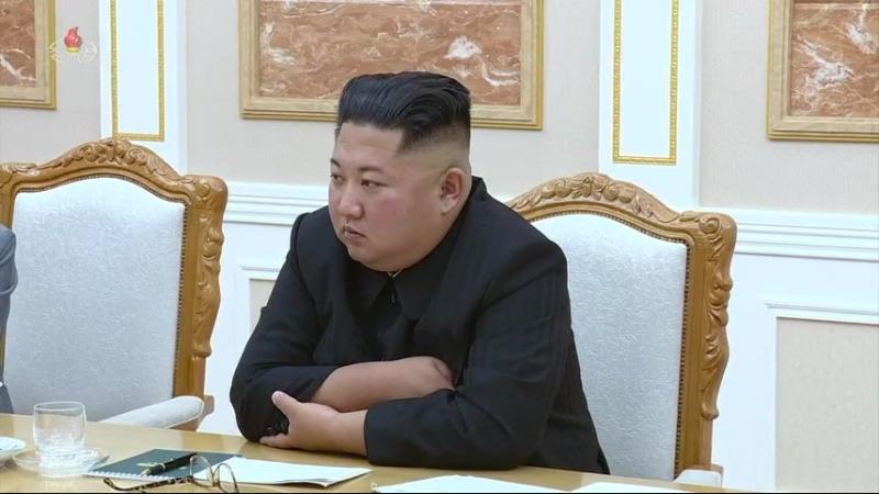 경애하는 최고령도자 김정은동지께서 중국공산당 중앙위원회 총서기, 중화인민공화국 주석 습근평동지의 특별대표로 우리 나라를 방문하고있는 률전서동지를 접견하시였다