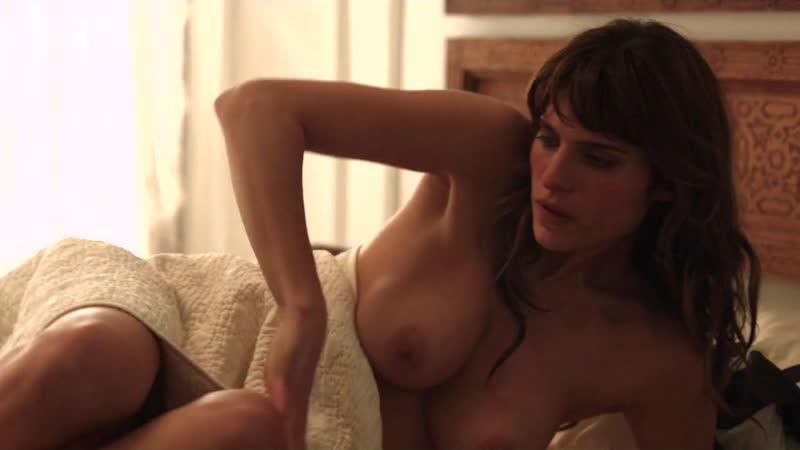 Nadia nackt Sloane Nadia Bjorlin