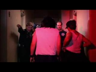 Зед  взбалмошный тип (1986) Полицейская академия 3 (Комедия) отрывок