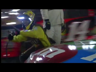 Pit Problems for Kyle Busch (Charlotte Motor Speedway 2013)