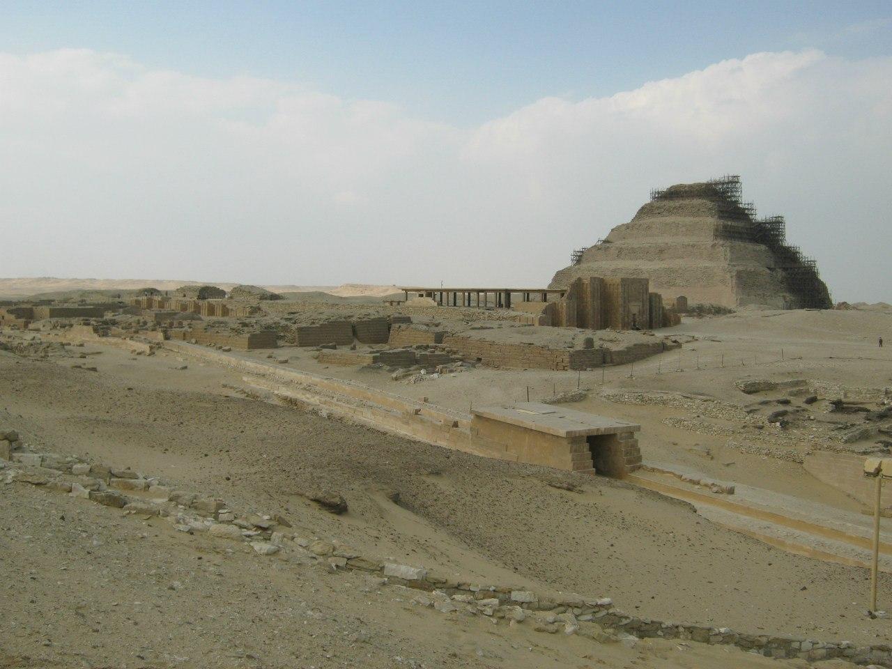 Пирамида Джосера - самая известная в Саккаре