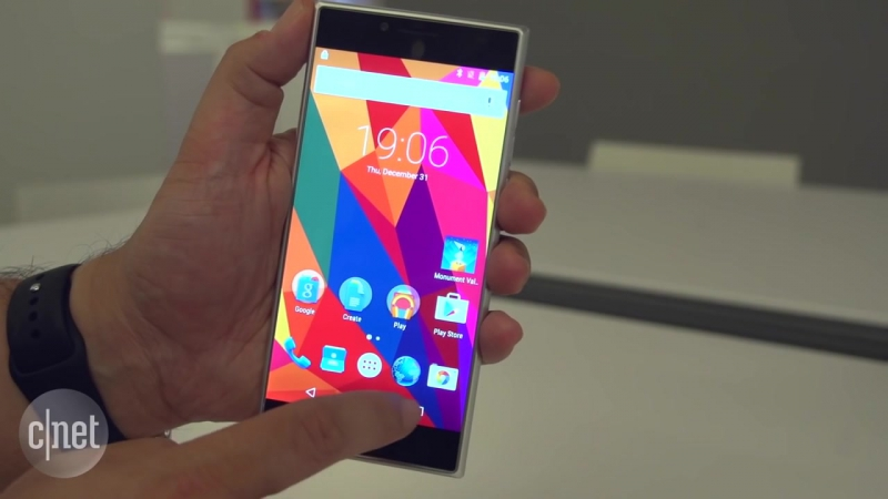 Ubik Uno a Kickstarter launched Android phone aims to crowdsource future designs