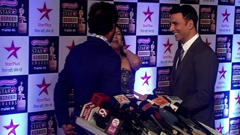 Акшай Кумар и Нимрат на StarScreenAwards 2016