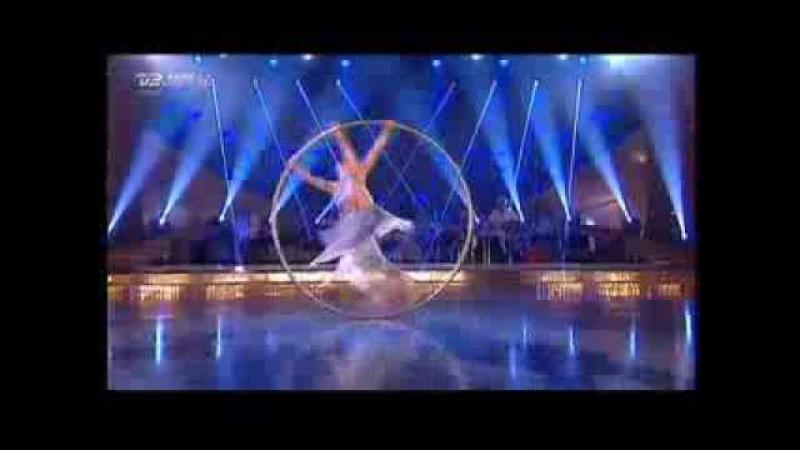 Valerie Inertie Cyr Wheel performance in Vild Med Dans Let's Dance смотреть онлайн без регистрации