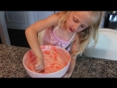 Claras World - Baking Pinkalicious Cupcakes