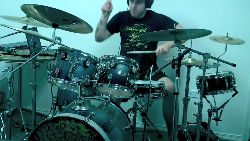 Live Dubstep Drumming with music by Tek One
