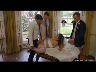 Невесту на свадьбе трахнули толпой анал минет мжмм сперма групповуха