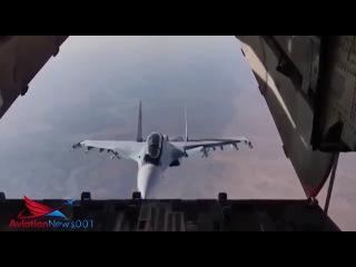 """Су-30СМ """"заглянул внутрь"""" транспортника Ил-76 , сброс гуманитарной помощи"""