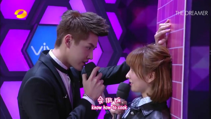 《快乐大本营》 Happy Camp - Kris Wus Kabedon Scene