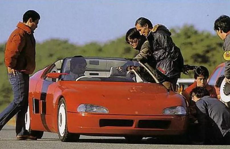 700 килограммов ярости редкого спорткара Autozam AZ-1, который и Suzuki, и Mazda., изображение №3