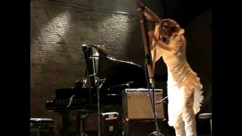 ZEENA PARKINS IKUE MORI PHANTOM ORCHARD live @ Teatro Fondamenta Nuove