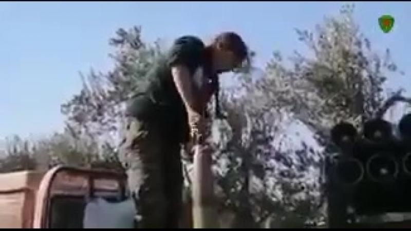 Курдянки YPJ обстреливают из ракет турецких оккупантов внутри Африна