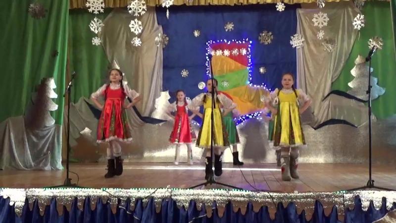 Дефиле валенки в исполнении танцевальной группы Матрешки