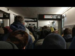 Зомби-апокалипсис в московском метро. Спасибо Собянину!