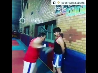 Жесть в боксе. Учит не боятся и держать удары.