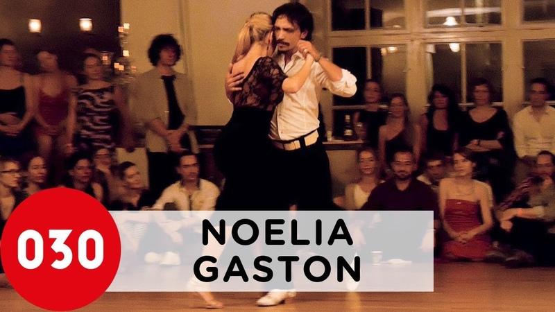 Noelia Hurtado and Gaston Torelli – Una vez