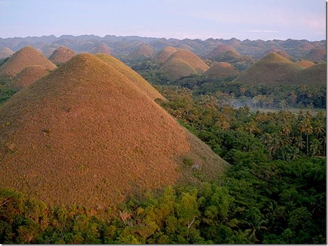 Шоколадные холмы на острове Бохол, изображение №3