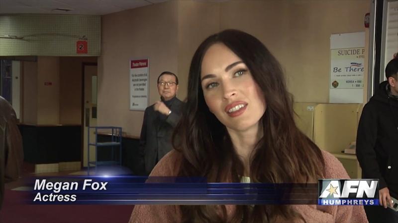 AFN Humphreys - Actors Megan Fox, George Eads meet, greet service members