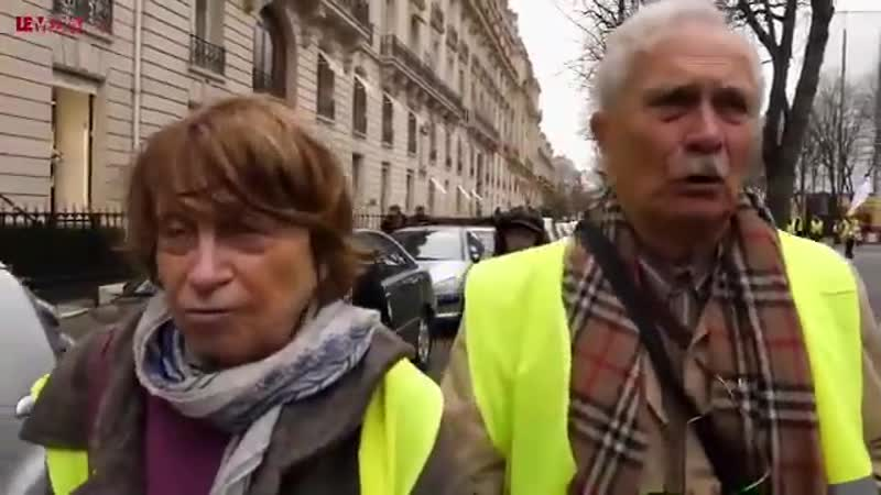 ACTE XIX PARIS IL FAUT QUE LE PRESIDENT SEN AILLE PARCE QUIL FAIT BEAUCOUP DE MAL A LA FRANCE