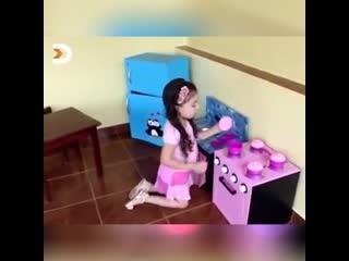 Кухонка для маленькой девочки своими руками!
