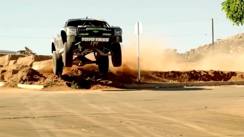 Modern Talking - Win the Race.Extreme Dakar car magic walking babe girl fantasy