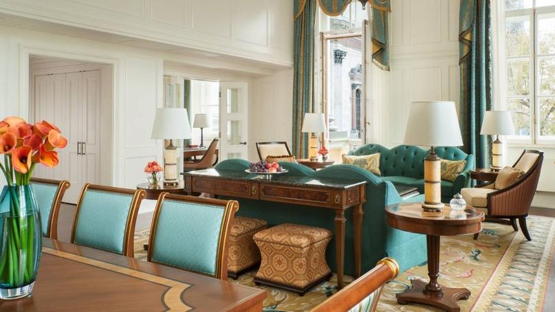«Four Seasons Hotel Lion Palace» — самый красивый отель России