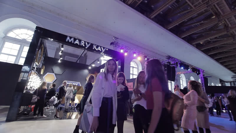 Mary Kay — официальный визажист Mercedes-Benz Fashion Week Russia