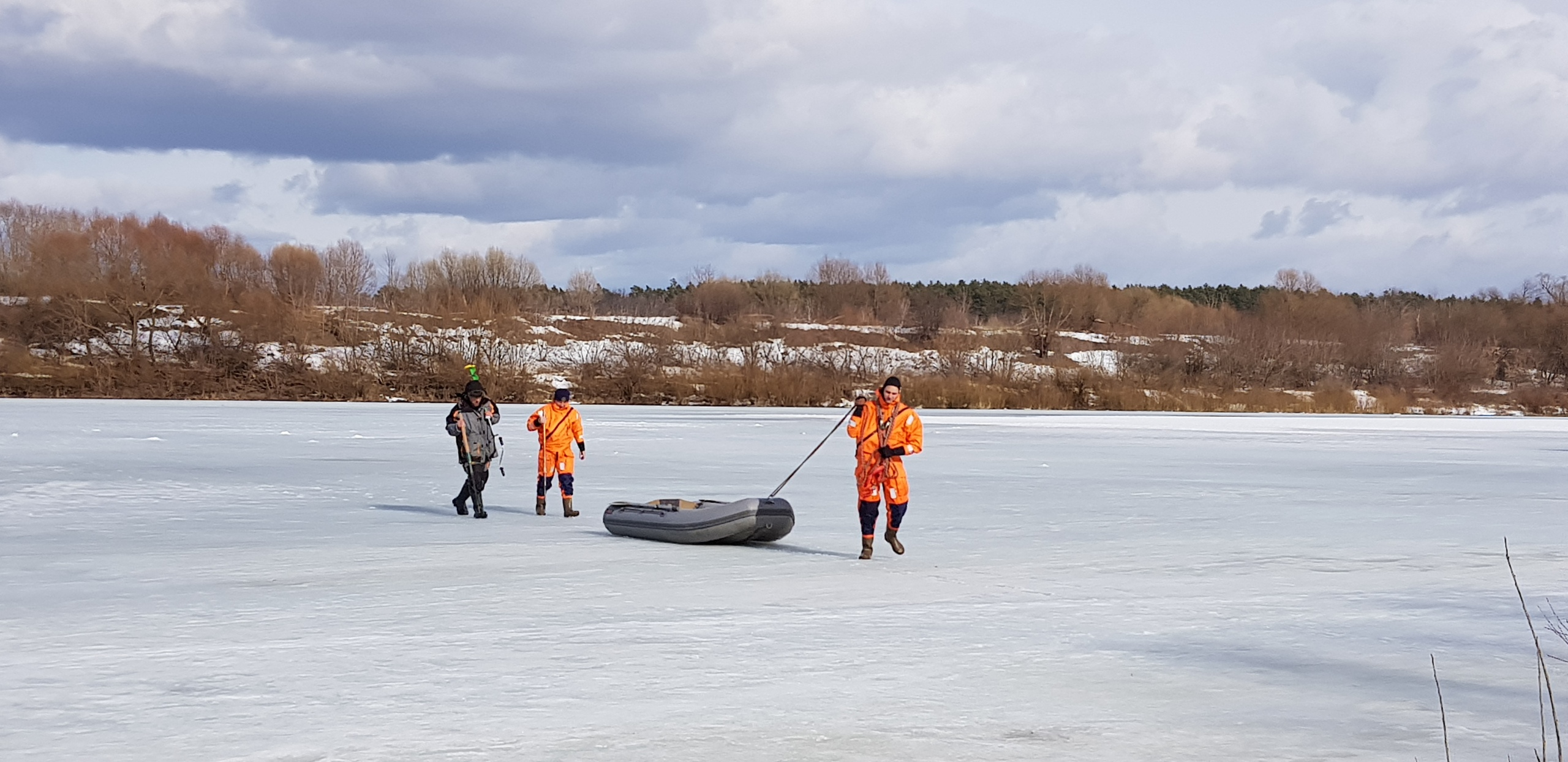 Участились случаи провалов людей под лед