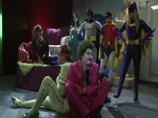 Бэтмен: ХХХ пародия с участием Тори Блэк, Лекси Белль \ Batman XXX: A Porn Parody