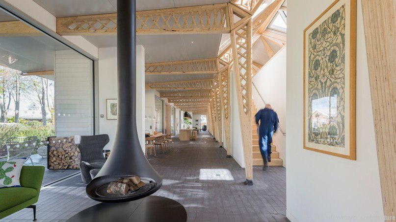 foster   partners' maggie's centre in manchester created as a garden retreat
