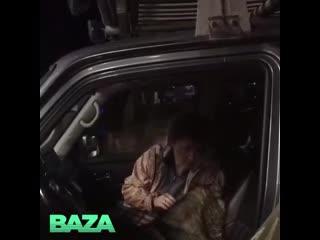 В карелии волк сел в машину и уснул