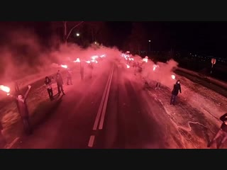 Фанаты Зенита огненно встретили свою команду перед матчем.