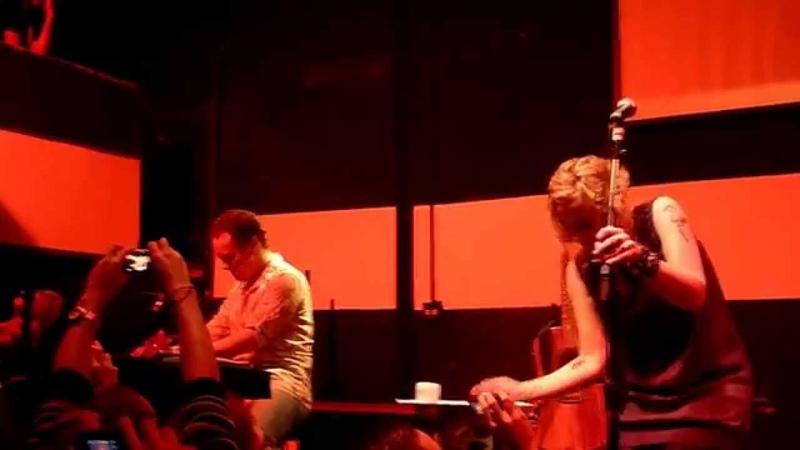 Anneke van Giersbergen Danny Cavanagh Teardrop Live at Blackmore 2010