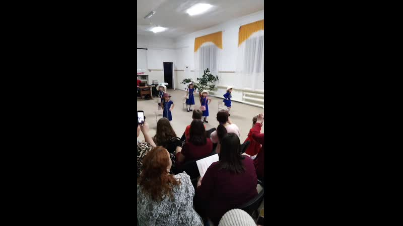 Танец модниц на День матери